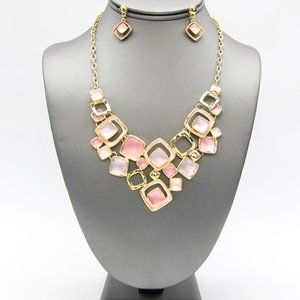Jewelry - Gold/Pink Enamel Geo Collar Necklace Set